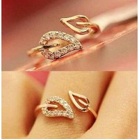 9001 New Simple Two Leaves Design Gold plated Crystal Ring