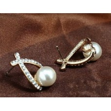 #1001 Crystal Rhinestone simulated pearl Bowknot Design Girls Ear Stud Earring