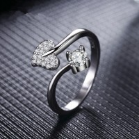 9302 SHIMMERING HEART ADJUSTABLE AD RING