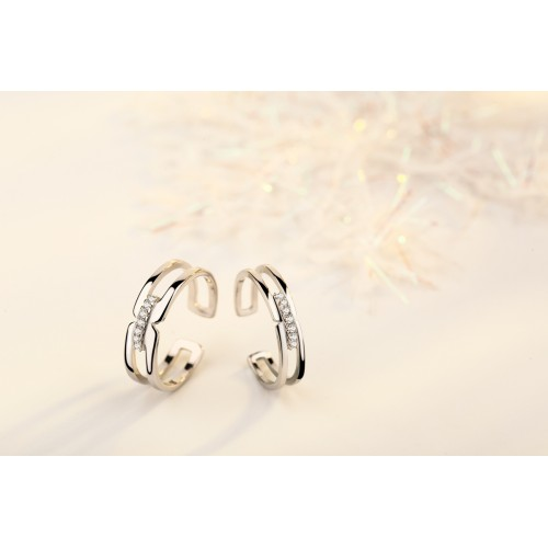 9336 couple ring hands hold Japanese and Korean openwork diamonds live mouth opening marriage ring